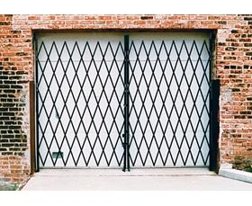 STEEL FOLDING SECURITY GATES